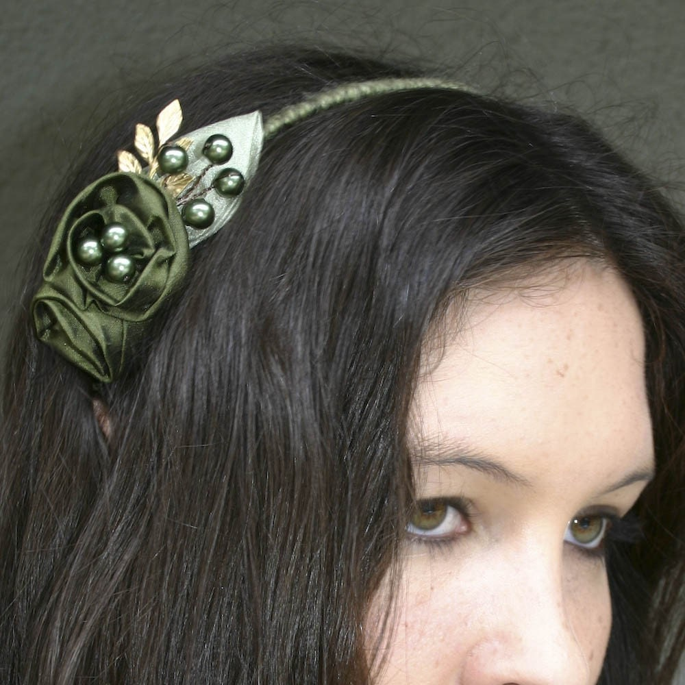 touch of gold, green rose headband