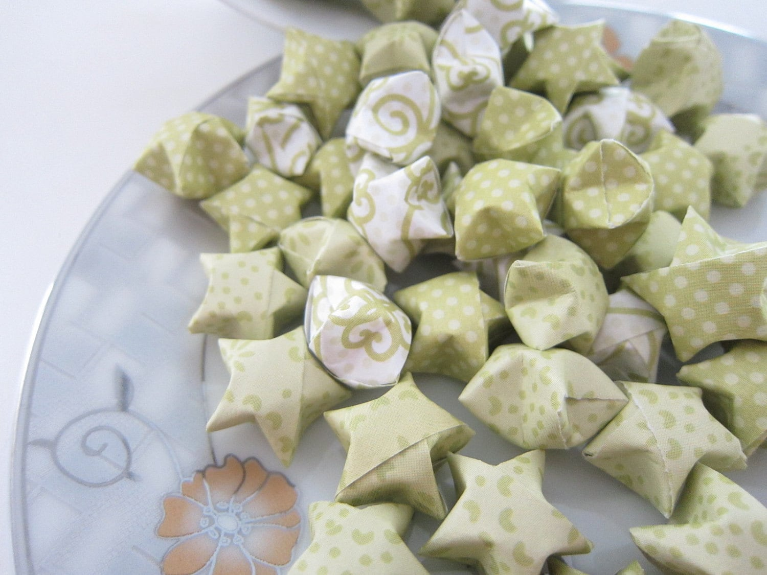 100 Peter Pan and Tinkerbell Origami Stars