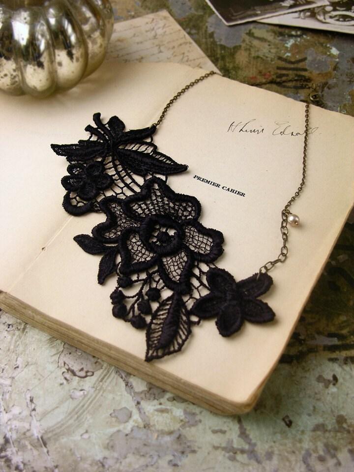 yvette lace necklace