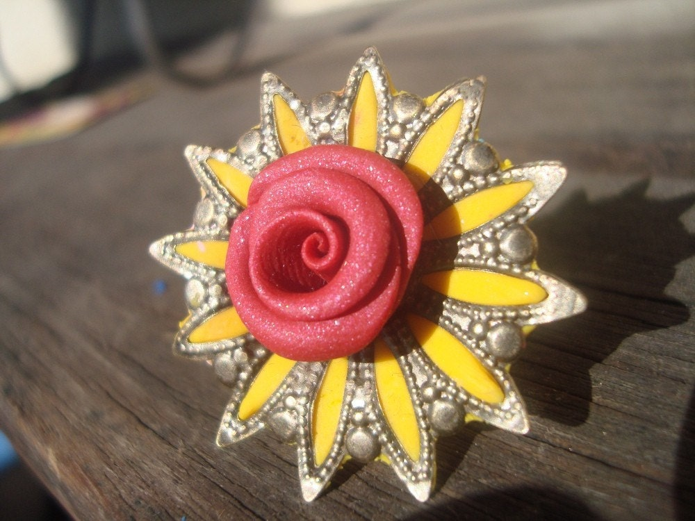 OOAK Yellow Star Red Rose Cocktail Ring (Supernova)