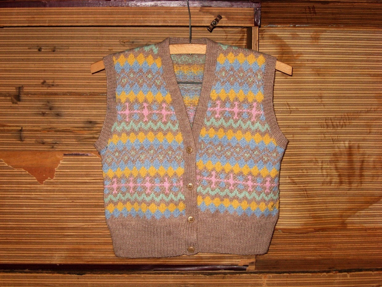 Vintage Faire Isle V Neck Wool Vest - Small