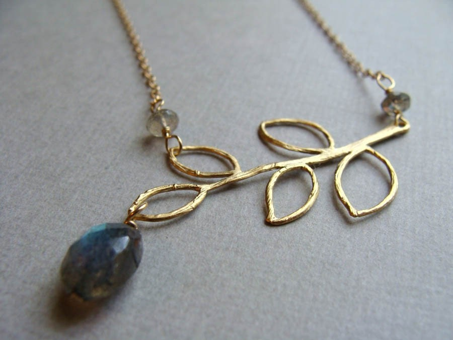 Sway Necklace in gold