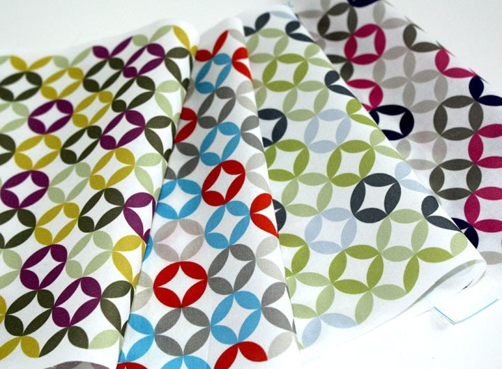 Cotton Fabric - FUN CIRCLES ( Fat Quarter)