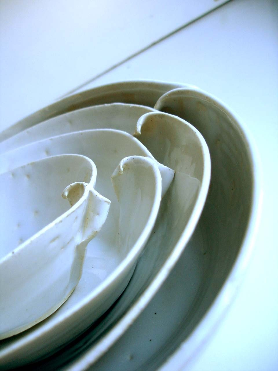 DISCOUNTED White Waves Nesting Bowls Set