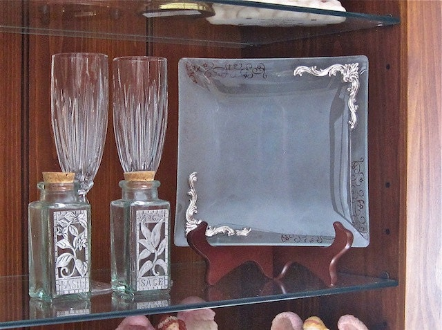 """Mid-Century Vintage 8"""" Square Etched Glass Plate with Raised Silver Trim- Beautiful Detail"""