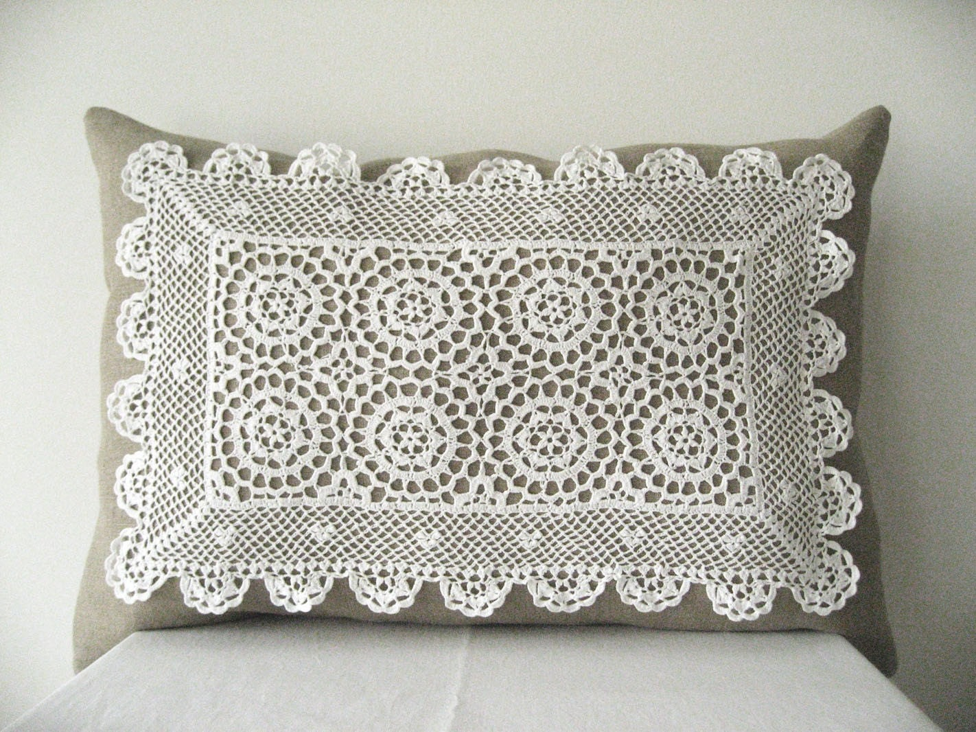 Vintage Doily on Linnen Pllow