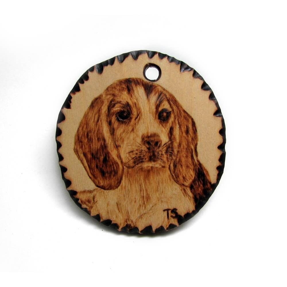 Beagle pendant pirography by Tanja Sova