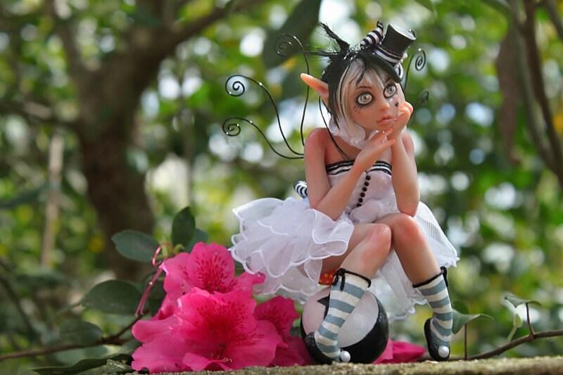 Lola Lorn Myxie Sculpture