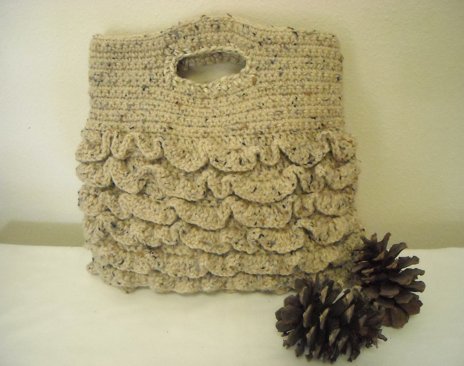 Ruffle Tote in Oatmeal Tweed by kathyskrochetnook on Etsy from etsy.com