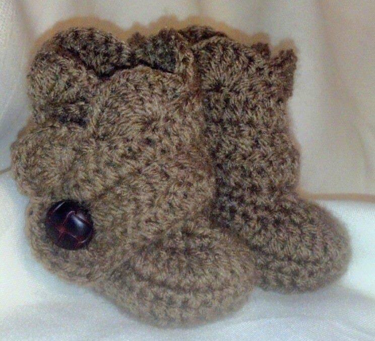 Crochet Uggs : Crochet Baby Ugg Boots - Baby Uggs - Baby Girl Crochet Shoes