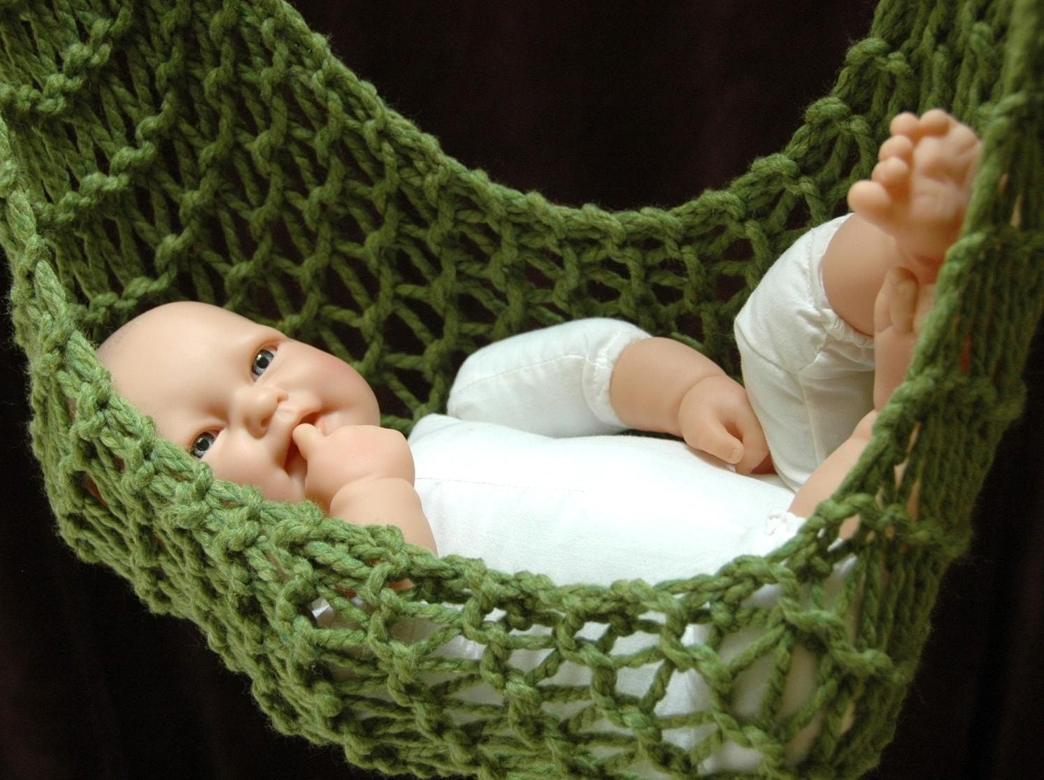 Hammock and Hanging Pod In Unisex Grass Green
