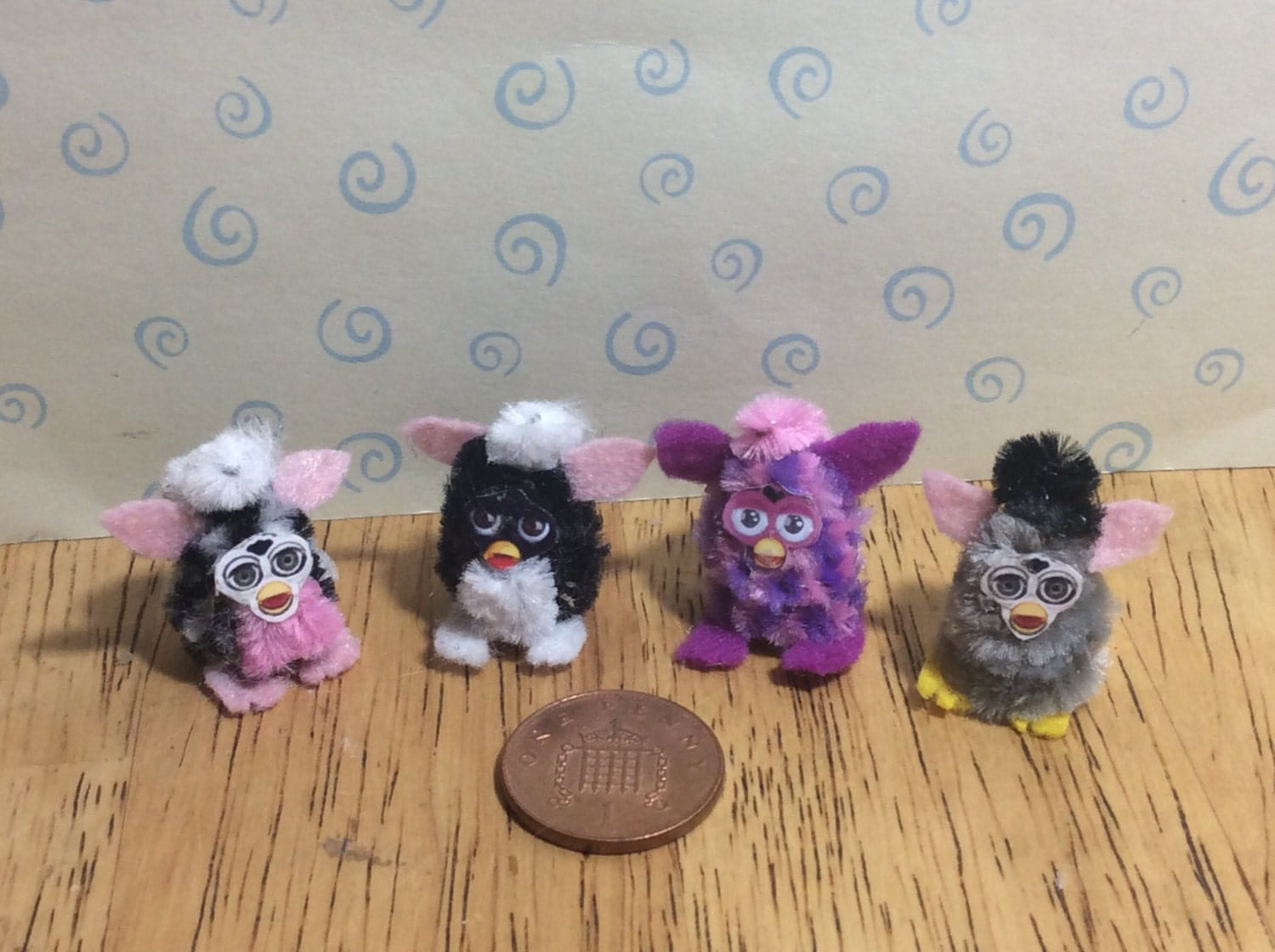 1 x Hand made Dolls house Miniature replica furby toy 112 scale