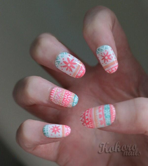 Hand Painted Christmas Nail Art