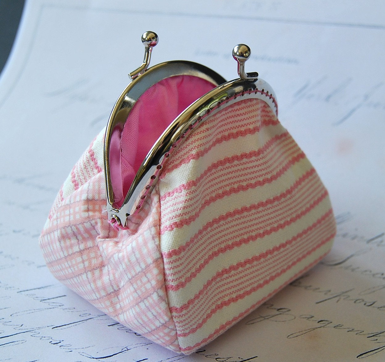 BOO! SALE Pink Me coin purse .  ribbon pink portemone