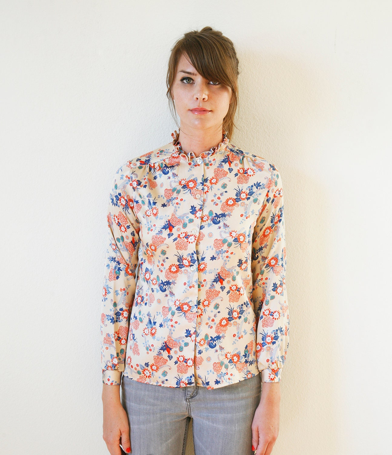 Chinoiserie Asian Floral Print Blouse Vintage 70s Long Sleeves Shirt Ruffle Collar Small to Medium - VintageReBelle