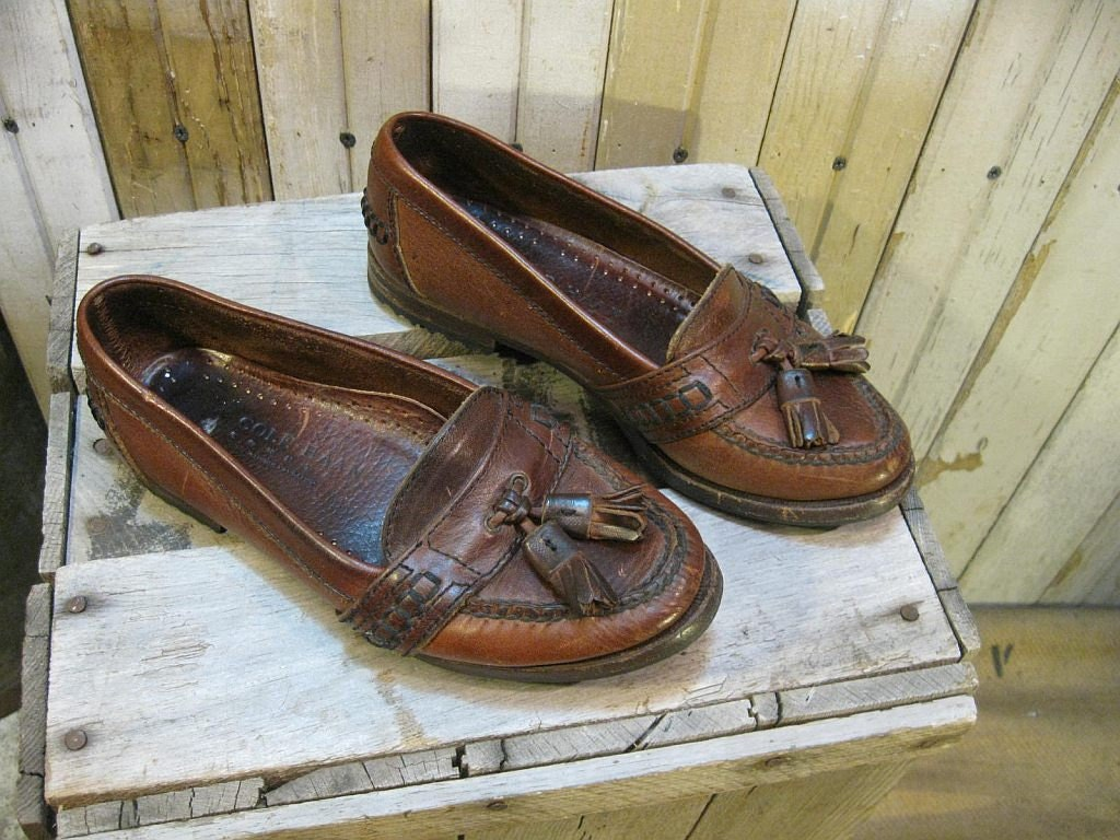 Preppy Loafer shoes Vintage Brown Leather Tassel Fringe flat Cole Haan 6
