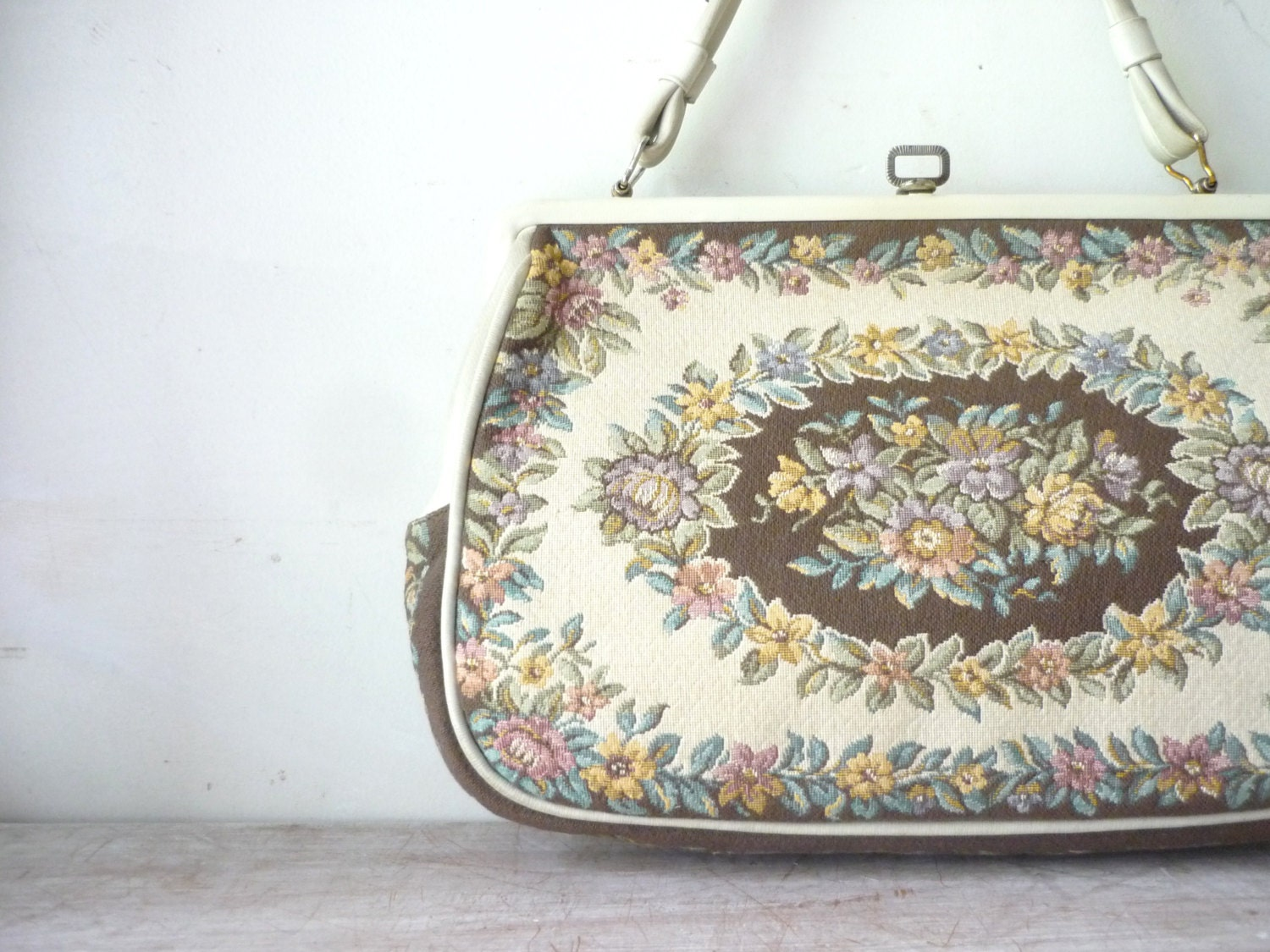 Vintage Tapestry Style Handbag - thefoxandthespoon
