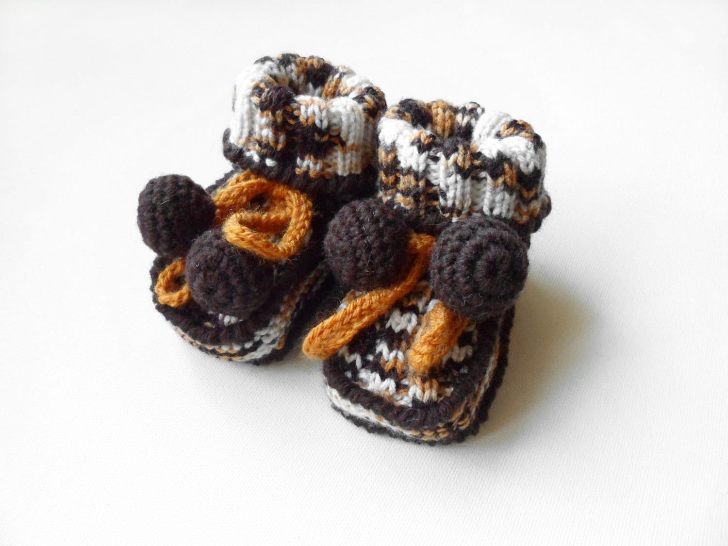 Hand Knitted Baby Booties - Brown and White - SasasHandcrafts