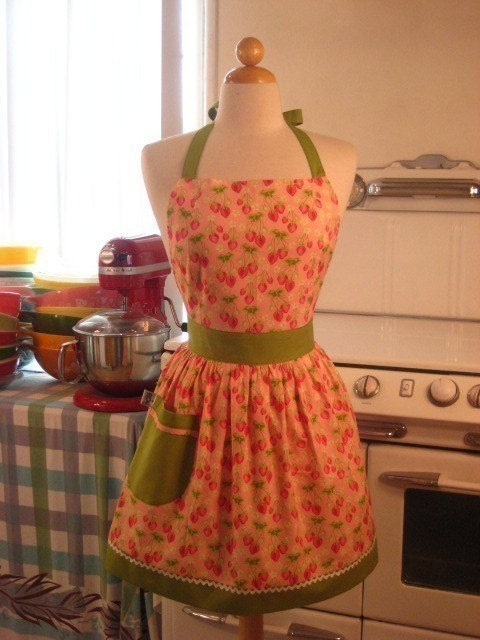 The CHLOE Vintage Inspired Sweet Strawberries on Pink Full Apron