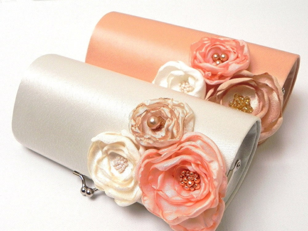 Ivory Bridal Clutch or Ivory Bridesmaid Clutch Set - Kisslock Snap Petite Bouquet Clutch -  Custom Colors - Ivory Pale Pink
