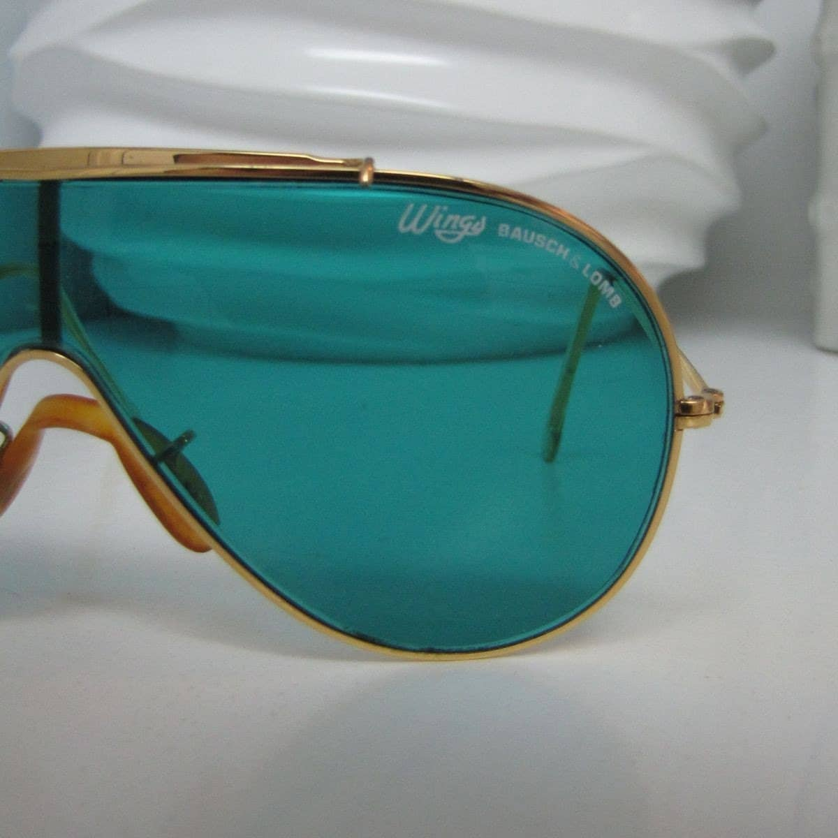 how to tell fake ray ban wayfarer from real ones