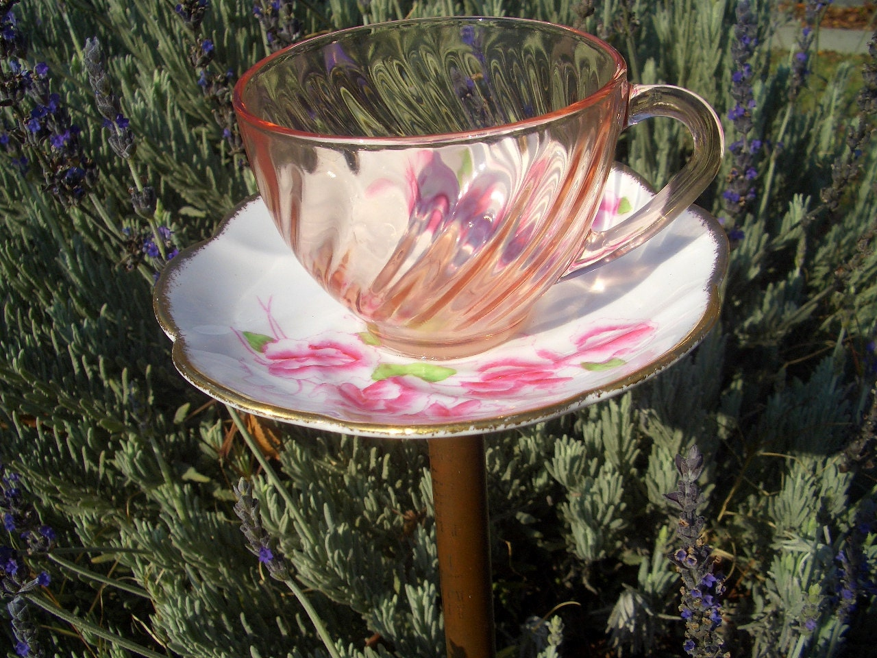 Bird feeder tea cup upcycled garden decor by for Upcycled yard decor