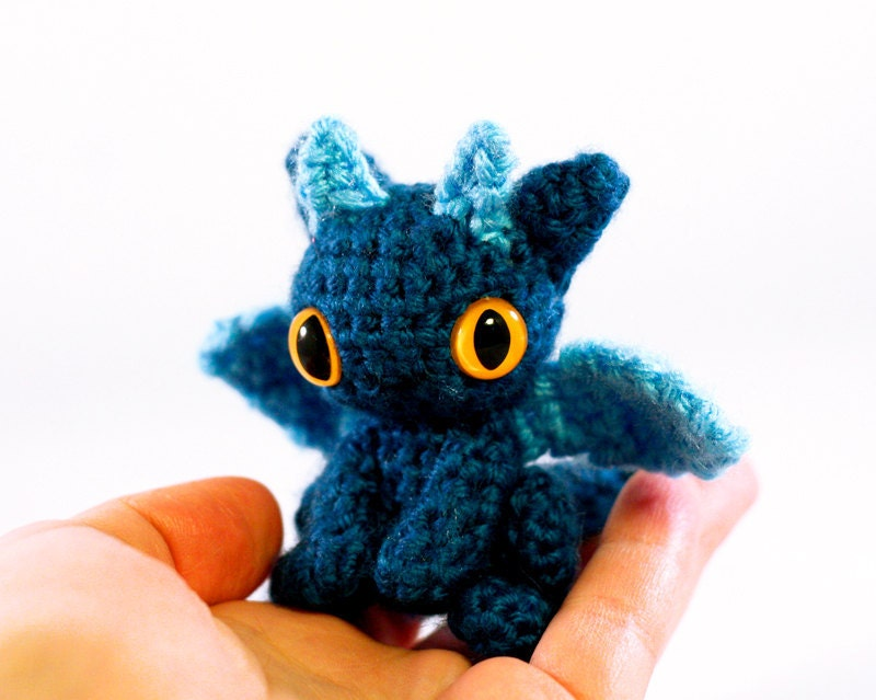 Dragon Azul Amigurumi : Geeky Cute Crochet Blog: Tiny Dragon Amigurumi