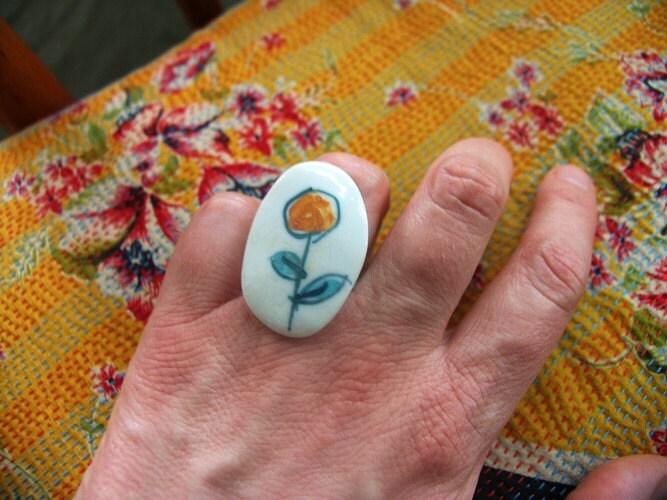 Porcelain ring flower