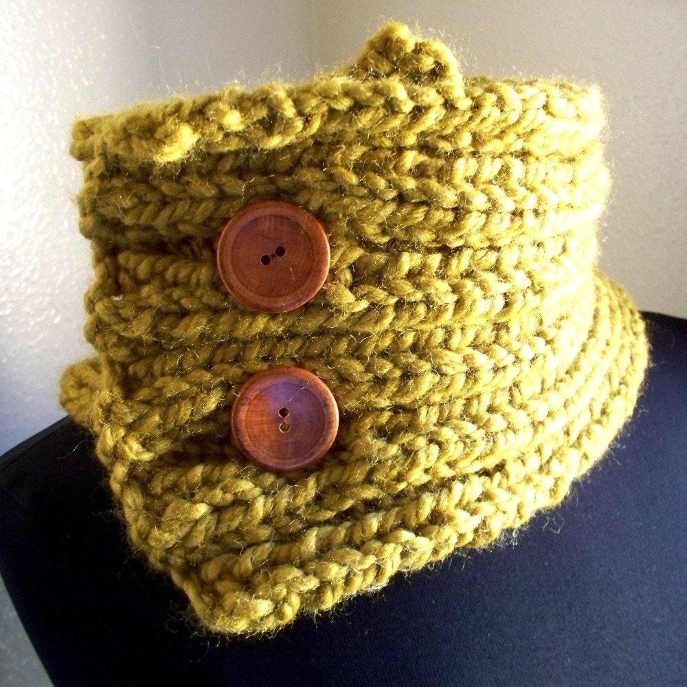 Knit Saffron Bulky Cowl / Neckwarmer