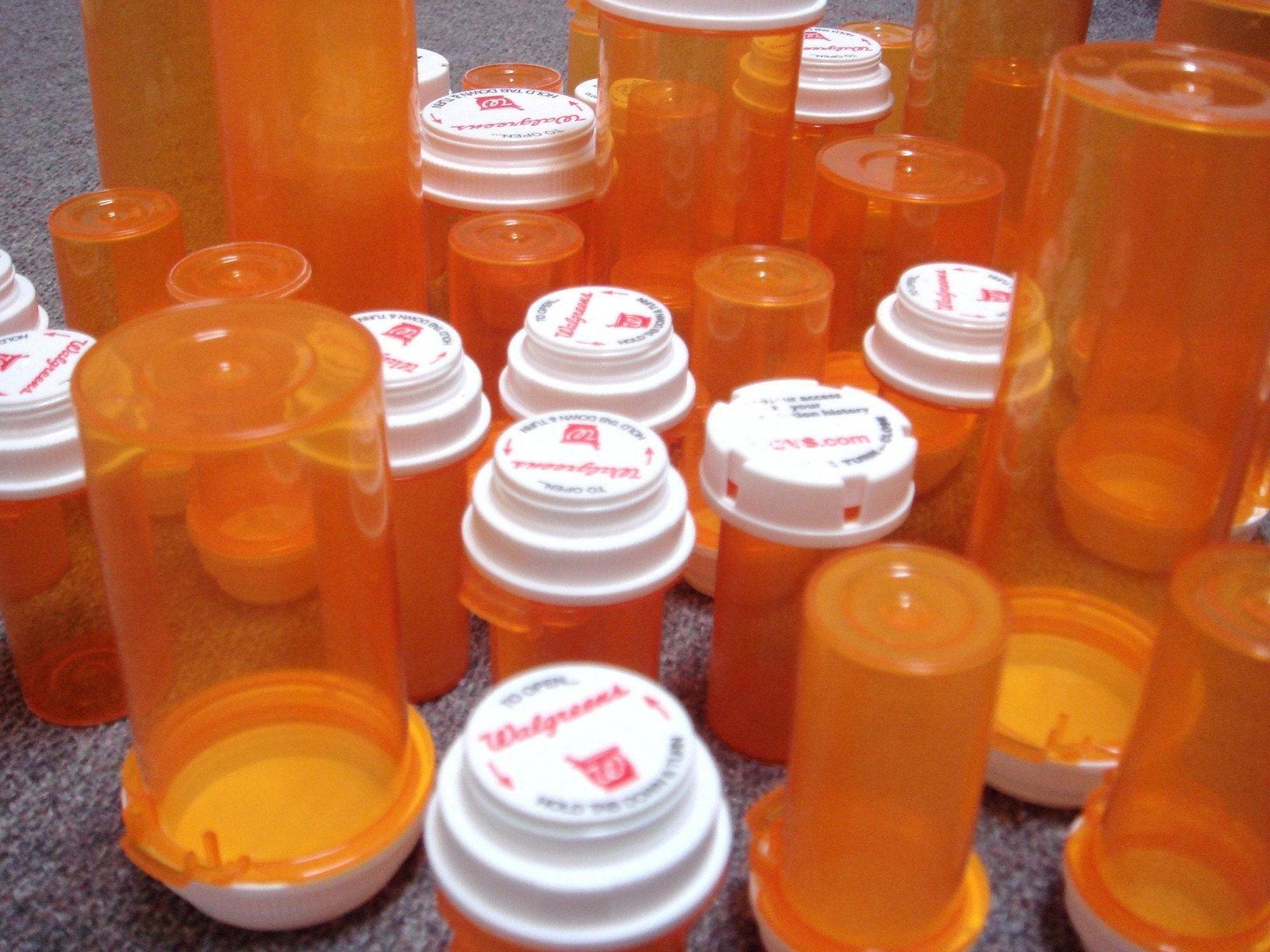 38 medicine bottles for crafts by junkdrawer on etsy for Medicine bottle crafts
