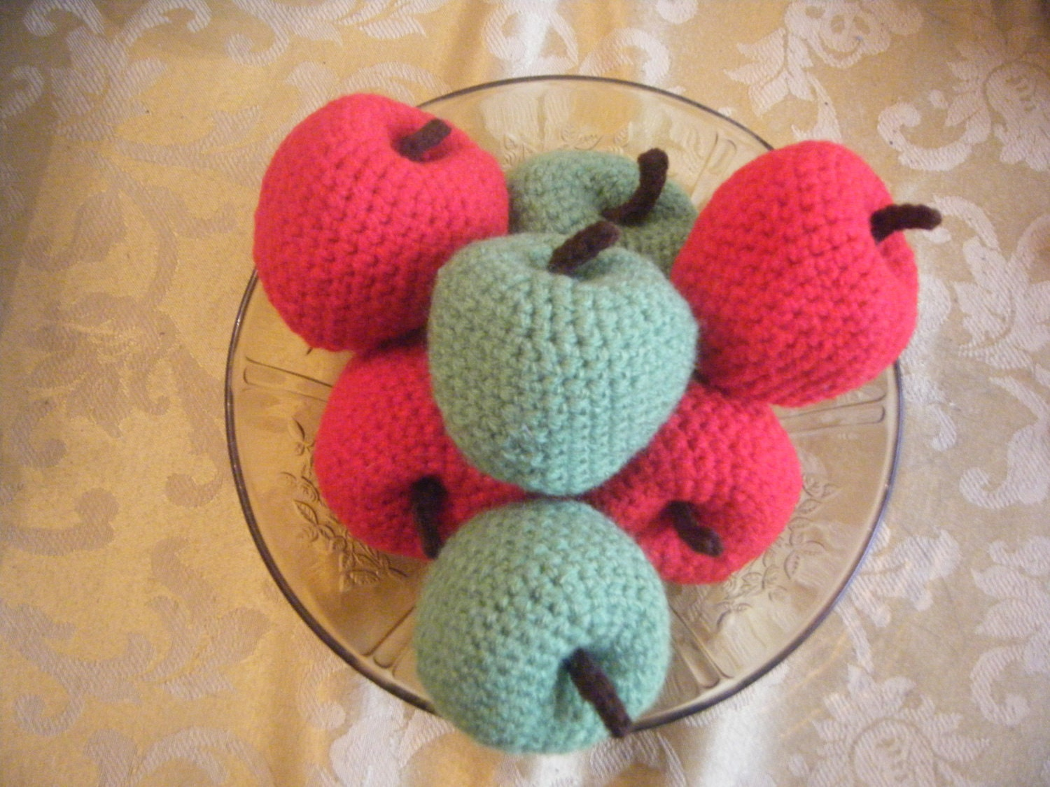 il 170x135.277181049 Etsy Crochet Treasury: Apples and Apples