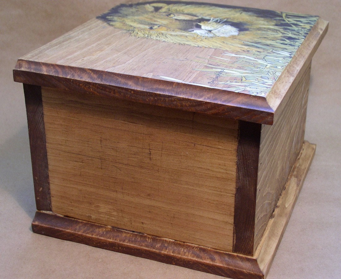 Painted Furniture Cottage Rustic Storage Box King of the Beasts Lion