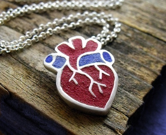 Anatomical heart necklace in silver and concrete