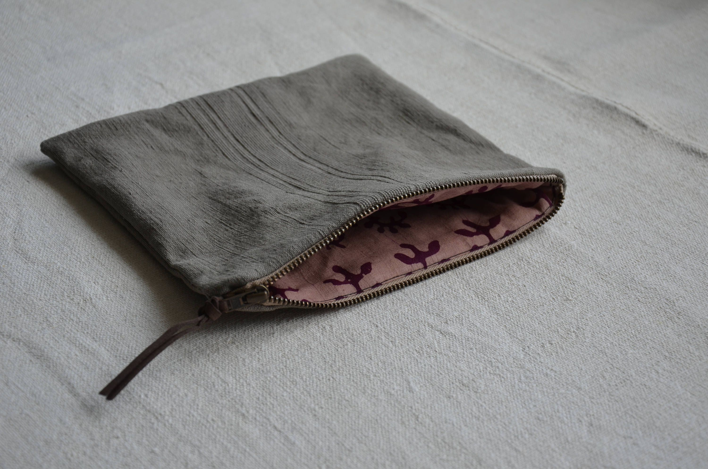 Light grey wallet purse hand dyed key case zip pouch surf bag organiser money linen minimalist mens womens handmade boho rustic phone cover