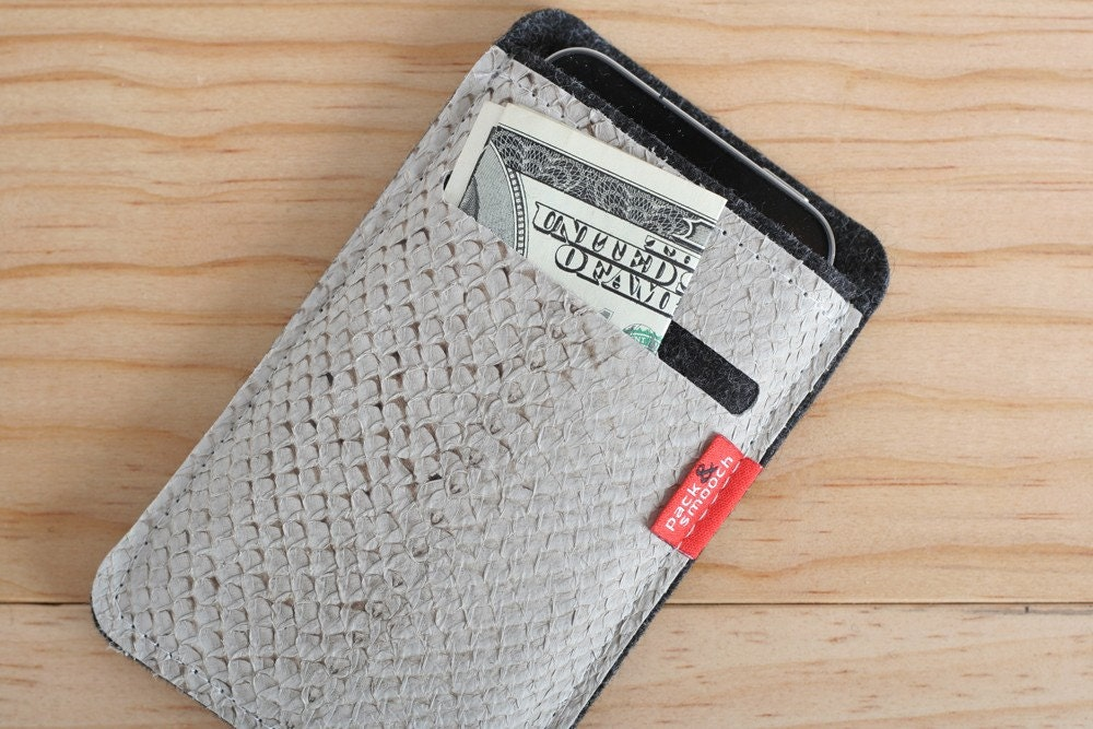 Iphone  wallet case LEICESTER / Salmon