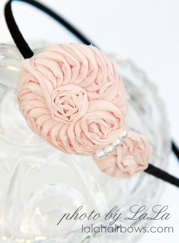 Шелковые цветы заставка с жемчужно-розовый
