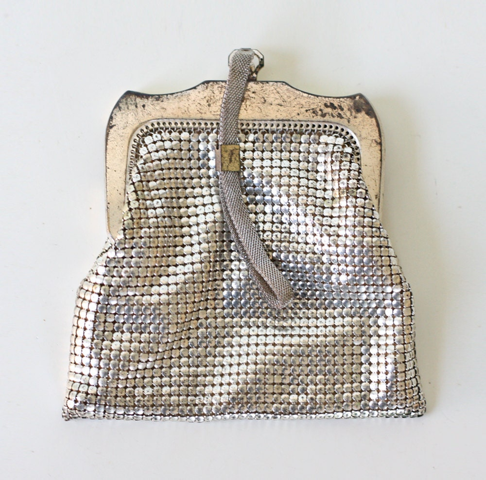 Vintage Coin Purse, Silver, Whiting and Davis Mesh Bag - bellalulu