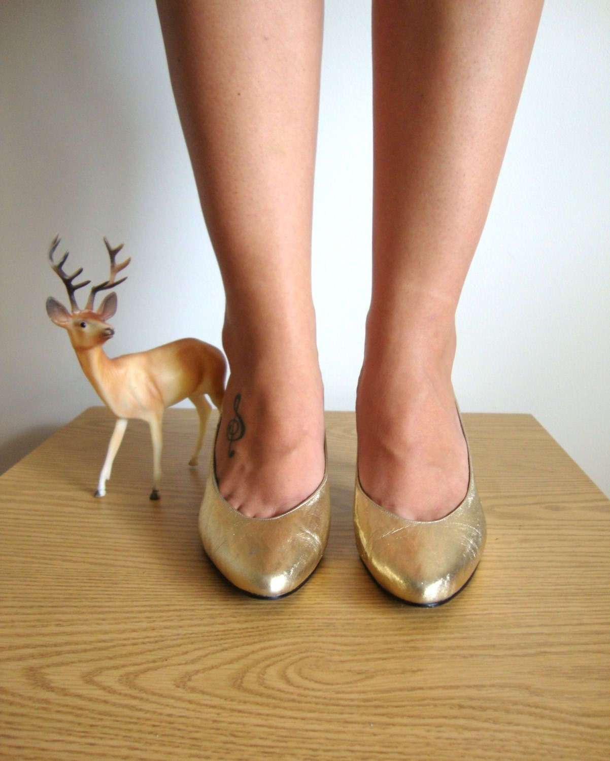 Size 7 Vintage GOLD Pumps from Pudding -37 1/2