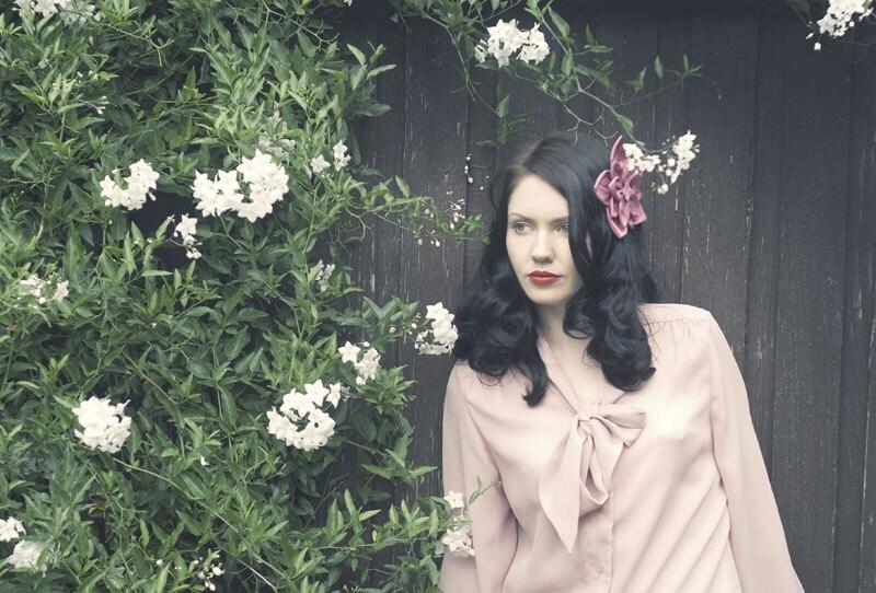 Loretta Silk Flower Comb