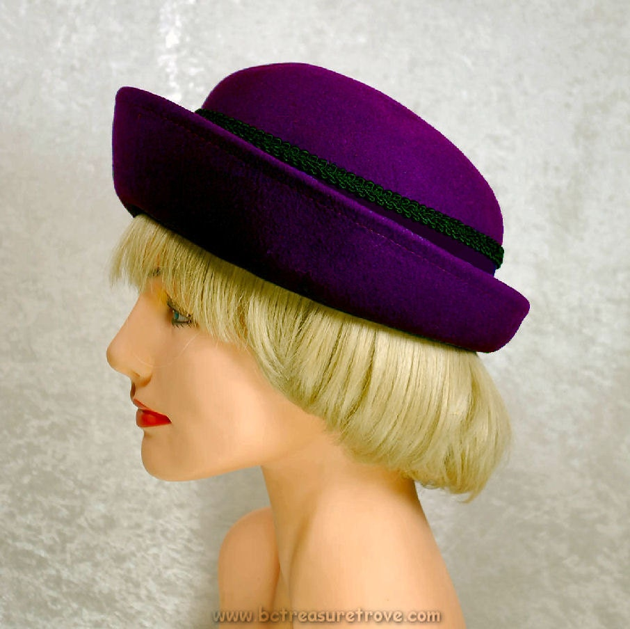 1960 Hat Plum Purple Felt Breton Vintage - bctreasuretrove