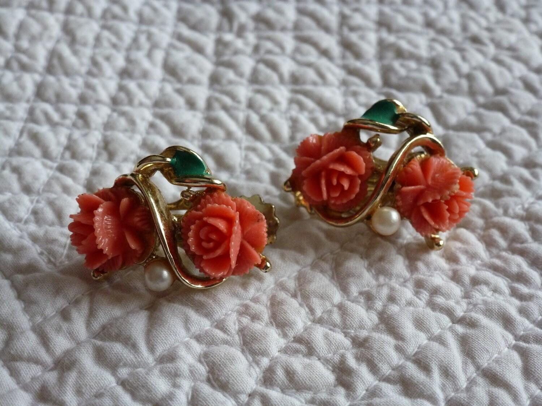 BLACK FRIDAY Etsy - Vintage Coral Celluloid Clip Earrings  - OOAK - MercysVintageHome