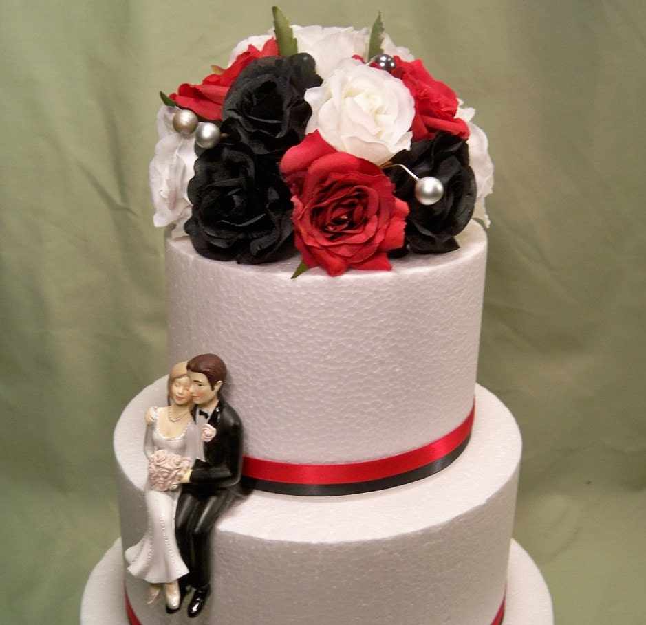 black cake toppers for wedding cakes