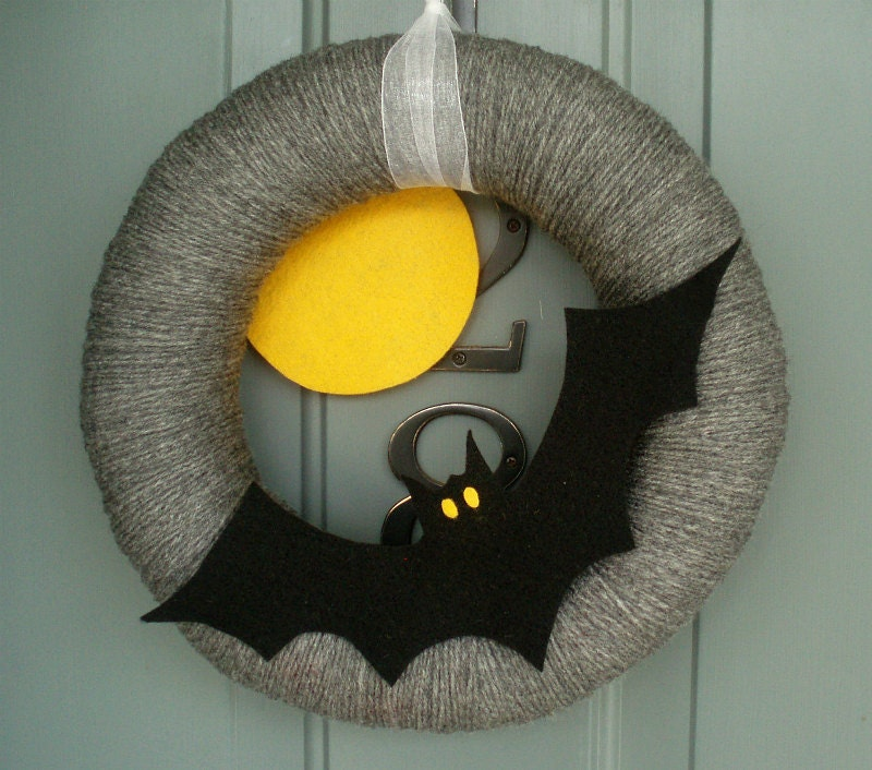 Yarn Wreath Felt Holiday Door Decoration - Halloween Moon and Bat 12in