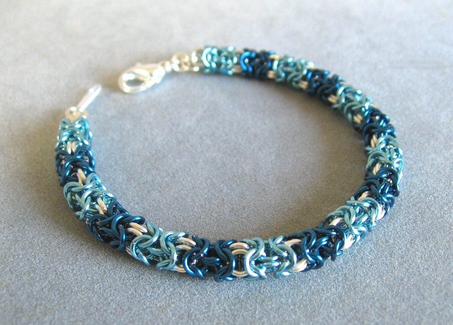 blue-green ice blue chainmaille bracelet