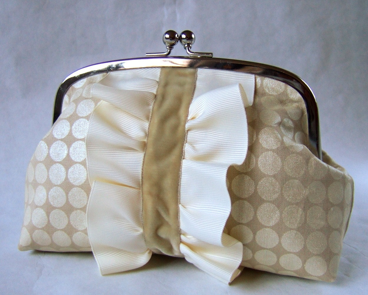 XL frame pouch - pearl dots with velvet and ruffles