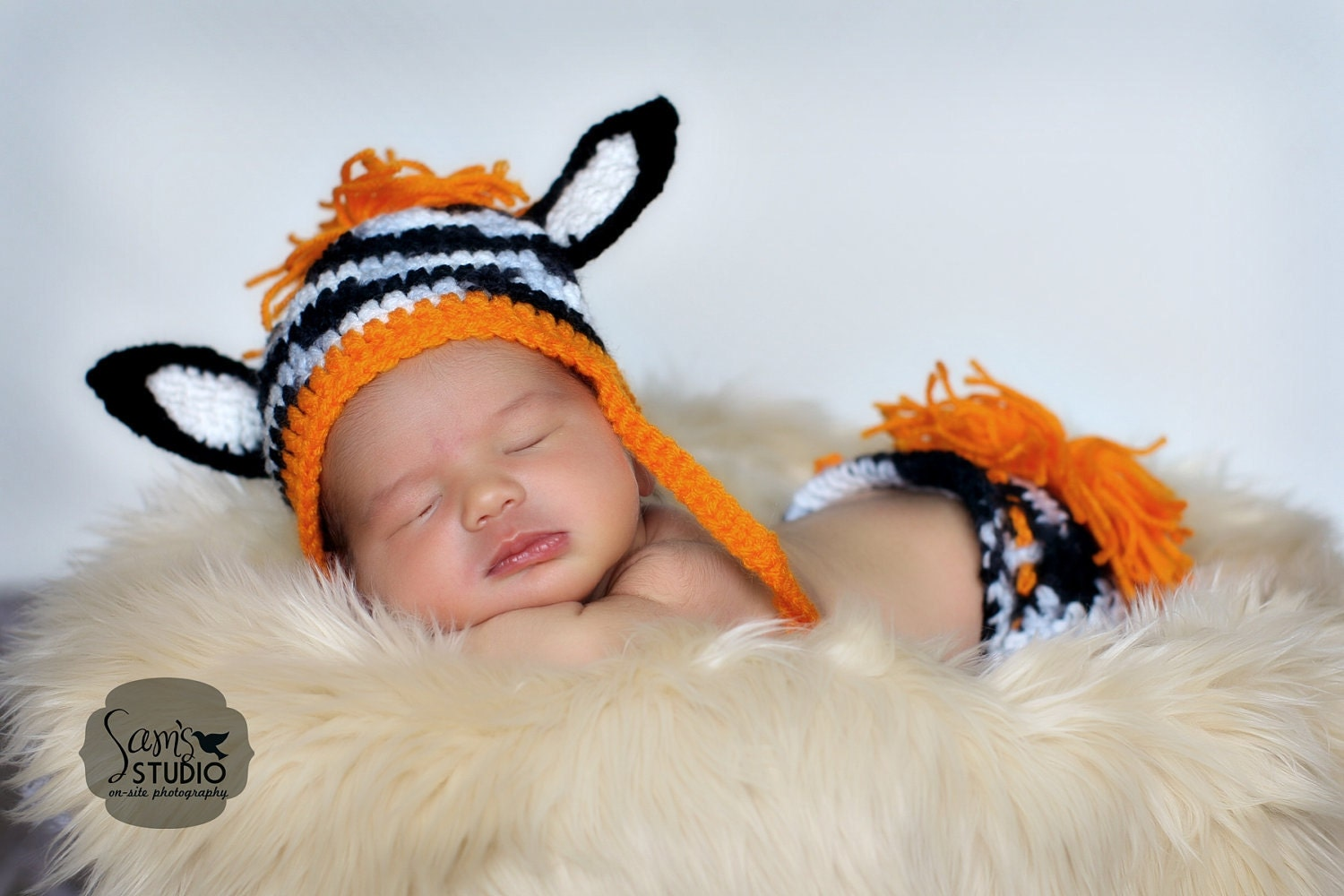 Newborn Zebra Hat and Diaper Cover Set - Photo Prop