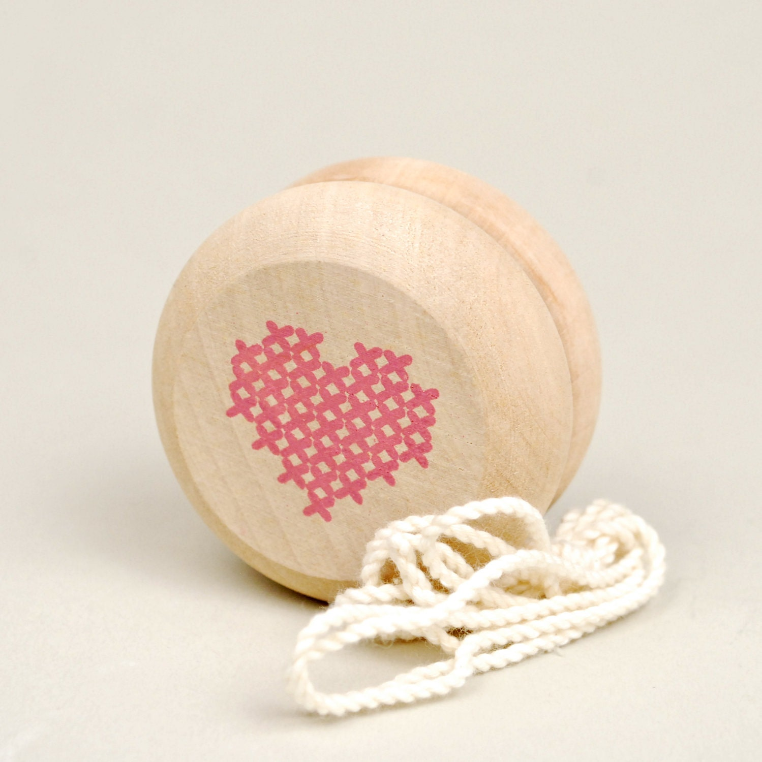 cross my heart yo-yo, blush pink