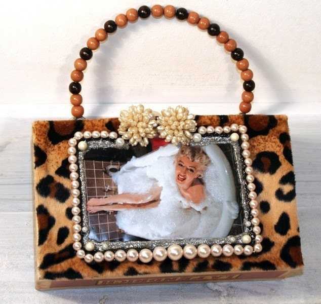 Rockabilly Marilyn in a bubble bath cigar box pinup purse. Vintage details.  Leopard Print