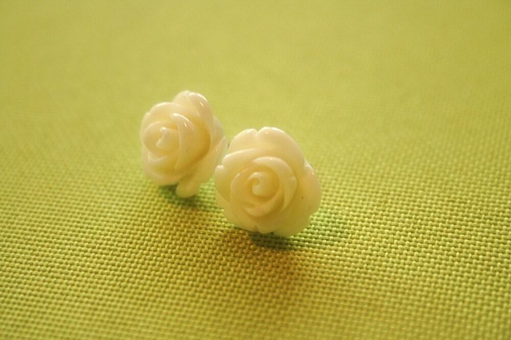 Off white rose flower earring studs