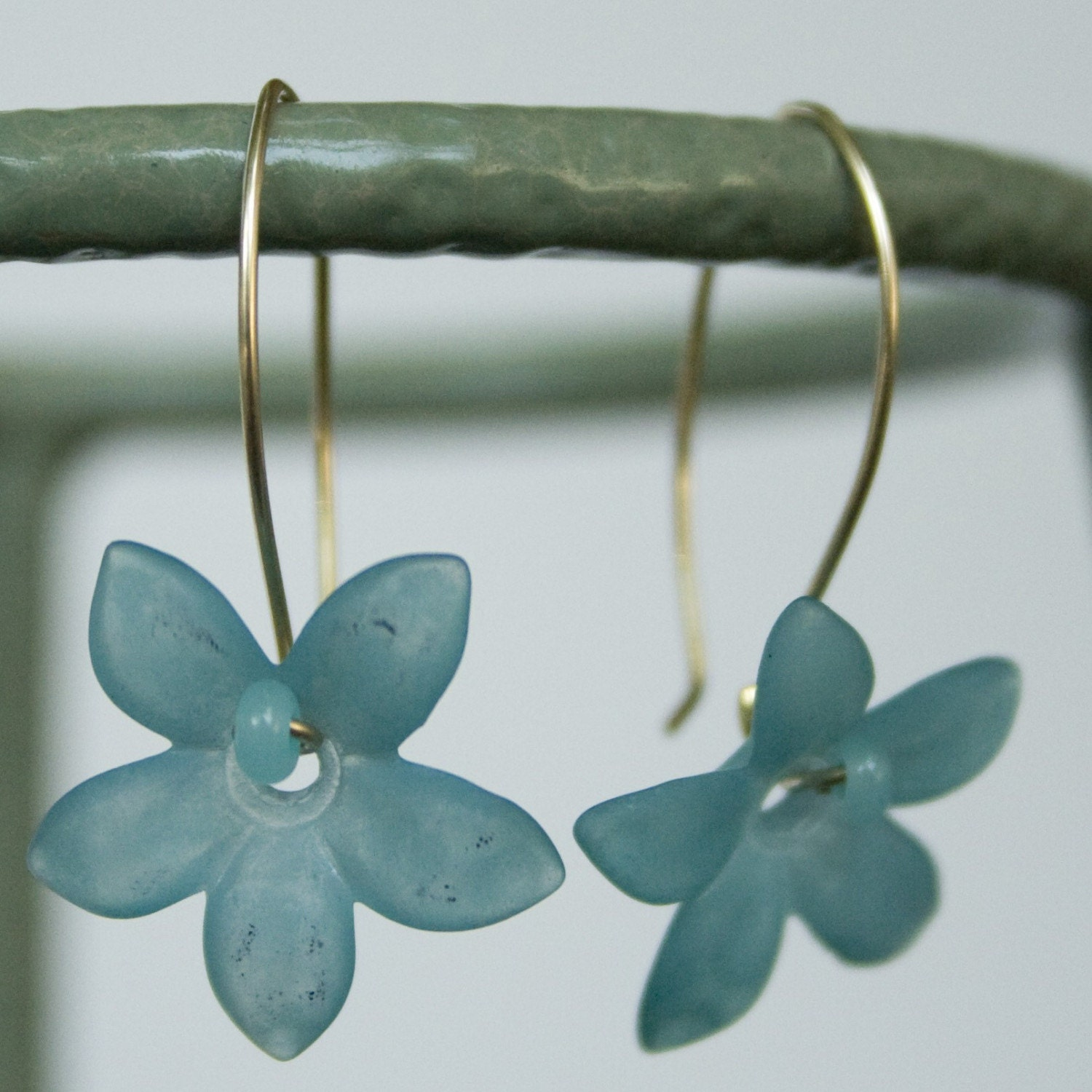 Blue vintage flower earrings from Ida Jefsen Design featured on Shopalicious.com